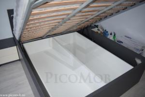 Mobila dormitor PicoMob pat cu somiera rabatabila si depozitare sub pat noptiere gri bej