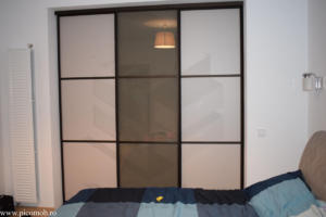 Mobila dormitor PicoMob usi glisante profil finisaj maro mat dressing walk-in a door hafele