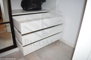 Mobila dressing dormitor PicoMob usi glisante cu oglinda a door hafele haine sertare tandem blum pentru lenjerie